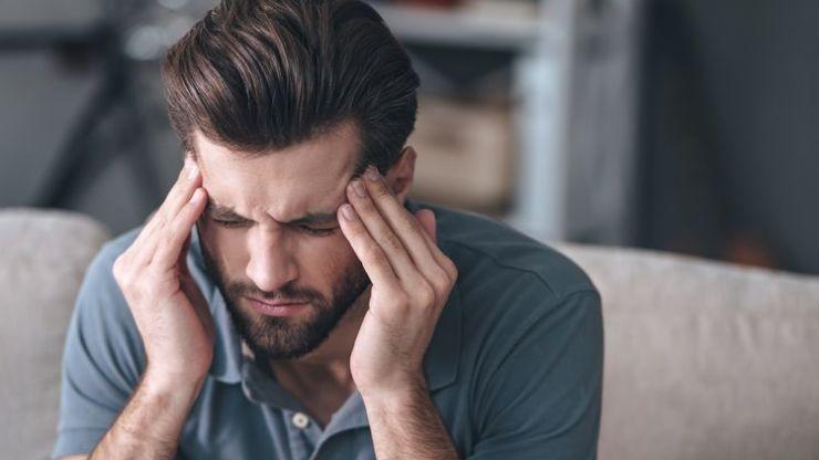 כאב ראש כרוני הנובע ממתח הם נדירים, ולרוב משוייכים לפציעות בצוואר או בראש.