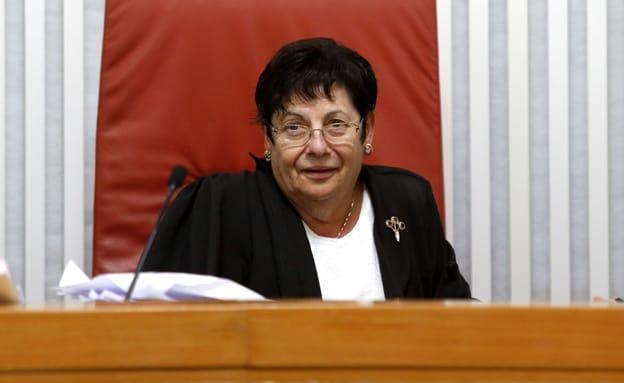 פרסום ראשון: תוגברה האבטחה על נשיאת בית המשפט העליון מרים נאור
