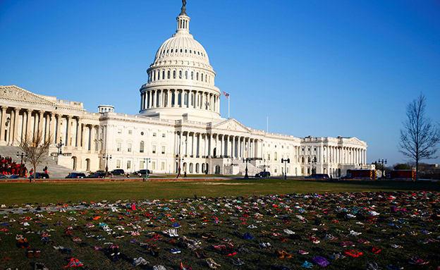 7,000 נעליים לזכר 7,000 קורבנות